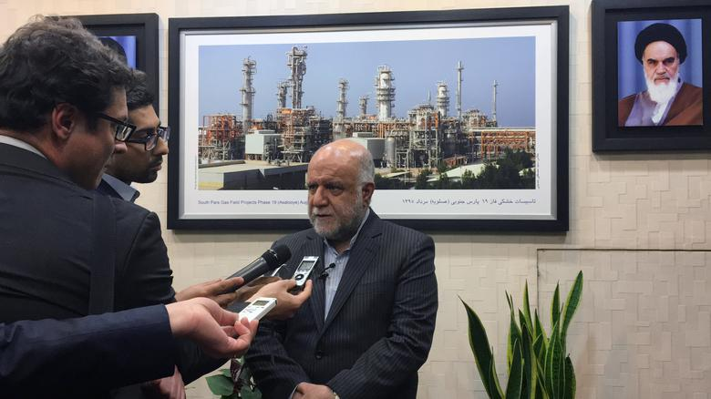 Iranian Oil Minister Bijan Zanganeh speaks to reporters at the Islamic Republic's petroleum ministry in Tehran, Iran in this file photo dated April 29, 2017. REUTERS/Alissa De Carbonnel
