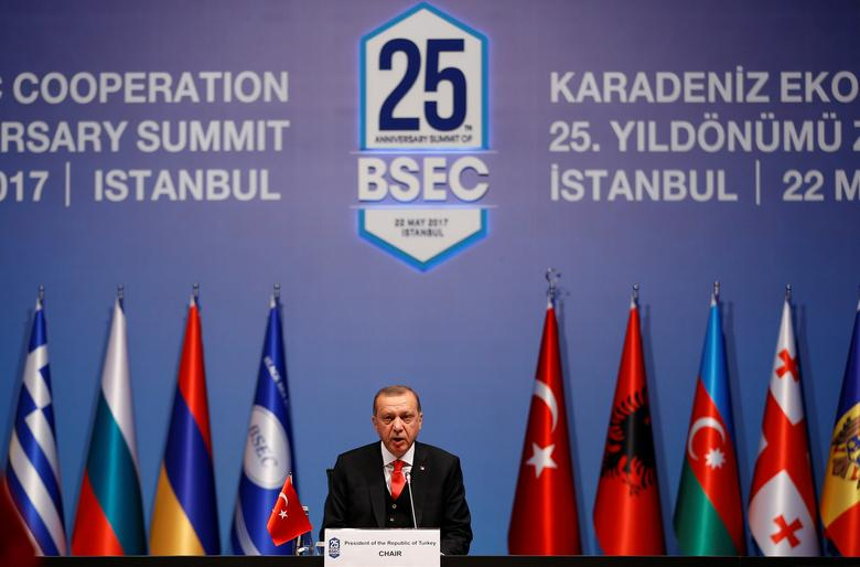 Turkish President Tayyip Erdogan makes a speech during the 25th anniversary summit of the Organisation of the Black Sea Economic Cooperation (BSEC) in Istanbul, Turkey, May 22, 2017.  REUTERS/Murad Sezer