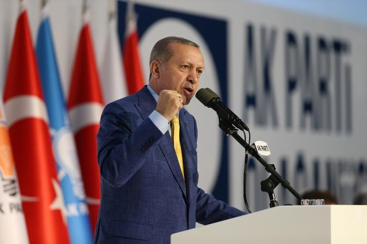 Turkish President Tayyip Erdogan makes a speech during the Extraordinary Congress of the ruling AK Party (AKP) in Ankara, Turkey May 21, 2017. Murat Cetinmuhurdar/Presidential Palace/Handout via REUTERS