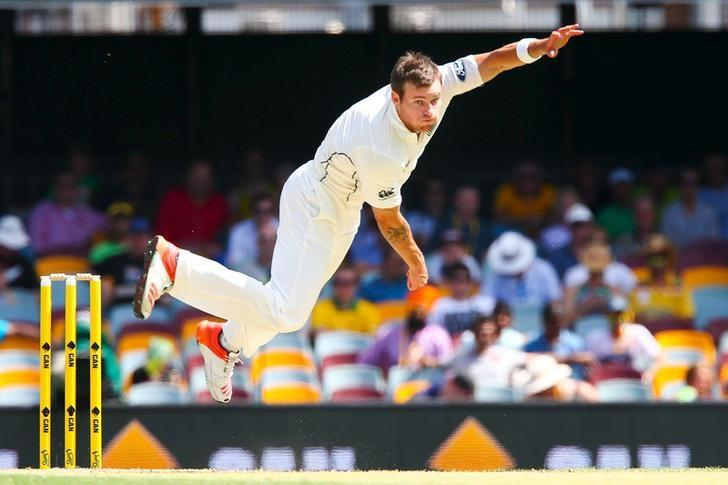 FILE PHOTO - New Zealand bowler Doug Bracewell during the first cricket test match between Australia and New Zealand in Brisbane November 7, 2015. REUTERS/Patrick Hamilton/Files