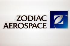 Le fonds d'investissement TCI a déclaré vendredi que la nouvelle offre d'achat de Safran pour Zodiac Aerospace était encore trop élevée et qu'en tant qu'actionnaire il voterait  contre le rapprochement des deux équipementiers aéronautiques. /Photo d'archives/REUTERS/Benoit Tessier