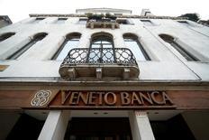 Banche venete chiedono intervento Atlante su ricapitalizzazione.  REUTERS/Alessandro Bianchi/File Photo