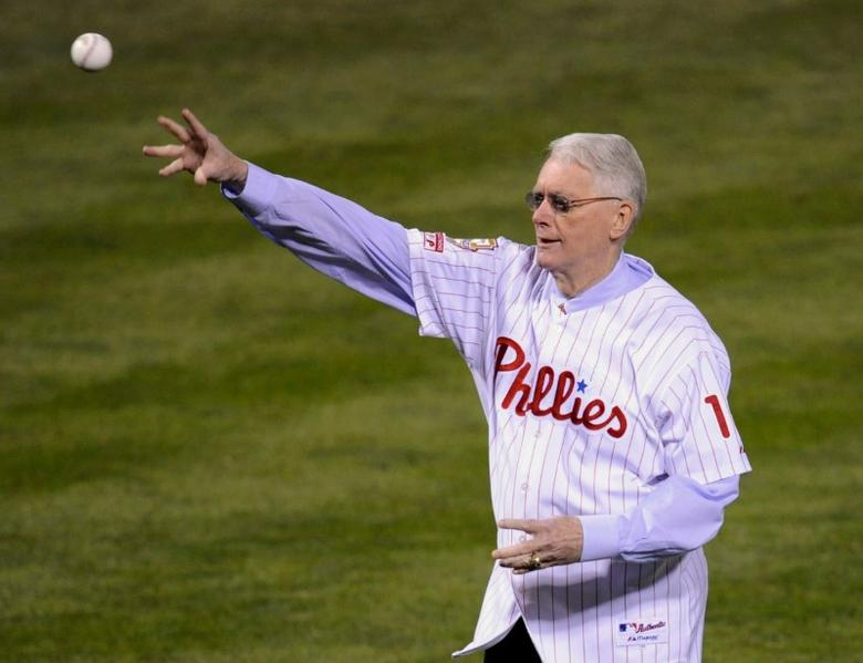 FILE PHOTO --  Former Philadelphia Phillies pitcher Jim Bunning throws out the ceremonial first pitch before Game 5 of Major League Baseball's World Series in Philadelphia, October 27, 2008.  REUTERS/Ray Stubblebine/File Photo