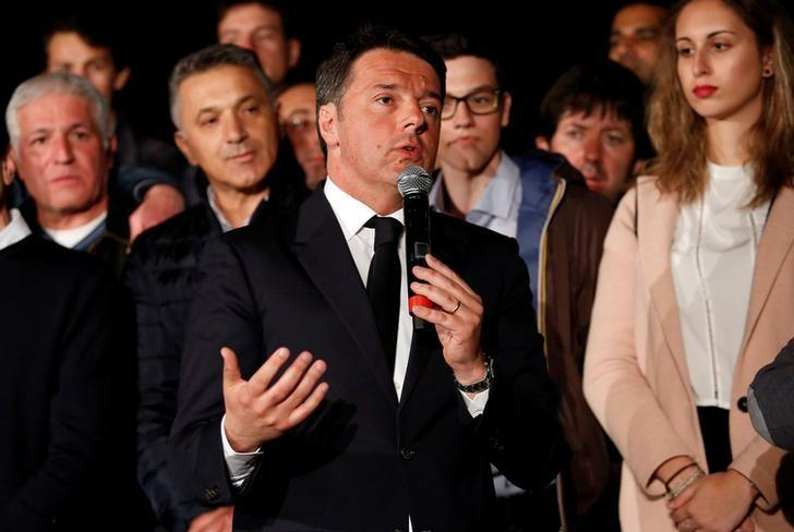 Italy's former Prime Minister Matteo Renzi speaks at the Democratic Party (PD) headquarters in Rome, Italy, April 30, 2017.  REUTERS/Remo Casilli/File Photo
