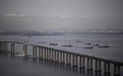 Visão aérea da Ponte Presidente Costa e Silva, no Rio de Janeiro. 11/12/2015 REUTERS/Ricardo Moraes