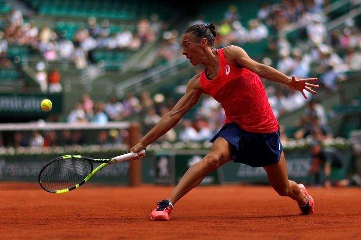 Tennis - French Open - Roland Garros, Paris, France - 29/5/17 Italy's Francesca Schiavone in action during her first round match against Spain's Garbine Muguruza Reuters / Gonzalo Fuentes