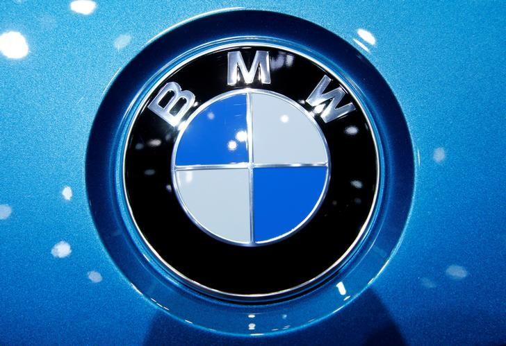 A BMW logo on a car at the 87th International Motor Show at Palexpo in Geneva, Switzerland, March 7, 2017. REUTERS/Denis Balibouse/Files