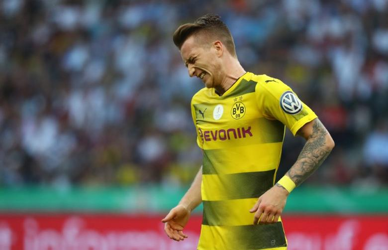 Football Soccer - Eintracht Frankfurt v Borussia Dortmund - DFB-Pokal Final - Olympic Stadium, Berlin, Germany - 27/5/17 Borussia Dortmund's Marco Reus reacts after sustaining an injury  Reuters / Kai Pfaffenbach Livepic