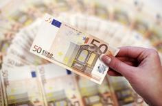 La croissance de l'économie française a atteint 0,4% au premier trimestre. /Photo d'archives/REUTERS/Dado Ruvic