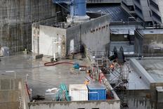 """L'Autorité de sûreté nucléaire (ASN) rendra probablement à l'automne"""" sa décision définitive sur la conformité de la cuve du réacteur de la nouvelle centrale EPR de Flamanville. L'ASN avait indiqué fin mars qu'elle prendrait une décision cet été. /Photo d'archives/REUTERS/Benoit Tessier"""