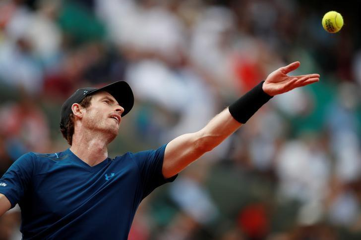 Tennis - French Open - Roland Garros, Paris, France - 30/5/17 Great Britain's Andy Murray in action during his first round match against Russia's Andrey Kuznetsov Reuters / Christian Hartmann