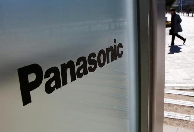 5月31日、パナソニック株が年初来高値を更新した。写真はパナソニックのロゴ、都内で2月撮影(2017年 ロイター/Kim Kyung-Hoon)