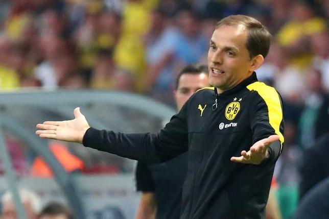 5月30日、サッカーのドイツ1部、ブンデスリーガで香川真司が所属するドルトムントはトーマス・トゥヘル監督との契約を解除したことを発表した。27日撮影(2017年 ロイター)