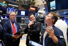 Traders work on the floor of the New York Stock Exchange (NYSE) in New York, U.S., May 31, 2017. REUTERS/Brendan McDermid