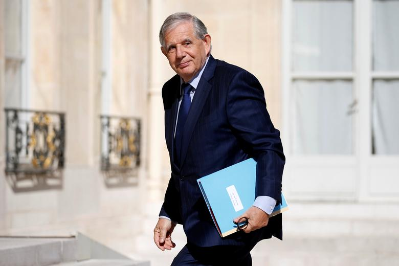 French Agriculture minister Jacques Mezard arrives at the Elysee Palace before a weekly cabinet meeting in Paris, France, May 31, 2017. REUTERS/Charles Platiau