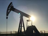 Bomba de petróleo perto de Midland, no Texas 03/05/2017 REUTERS/Ernest Scheyder