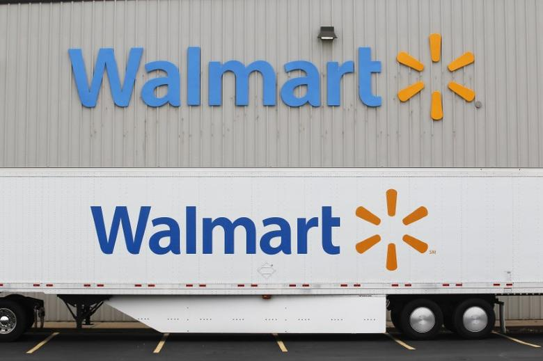 A Wal-Mart Stores Inc company distribution center in Bentonville, Arkansas June 6, 2013. The annual shareholders meeting for Walmart takes place June 7, 2013.   REUTERS/Rick Wilking