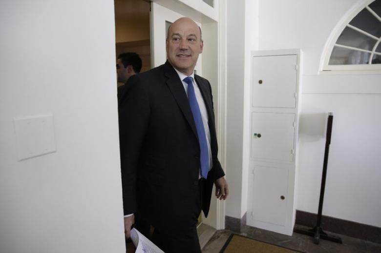 Director of the White House National Economic Council Gary Cohn arrives prior to U.S. President Donald Trump announced his decision to withdraw from the Paris Climate Agreement, at the White House in Washington, U.S., June 1, 2017. REUTERS/Joshua Roberts