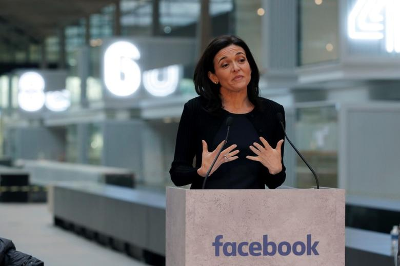 Sheryl Sandberg, Chief Operating Officer of Facebook, delivers a speech during a visit in Paris, France, January 17, 2017. REUTERS/Philippe Wojazer