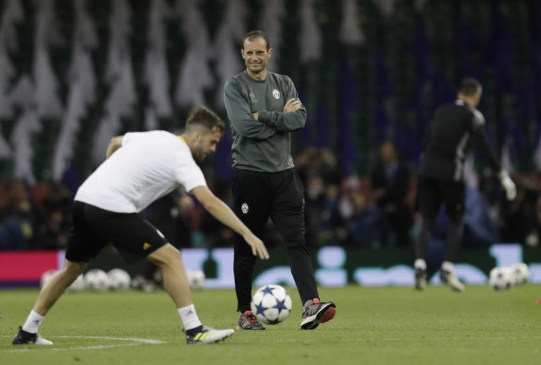 Britain Soccer Football - Juventus Training - The National Stadium of Wales, Cardiff - June 2, 2017 Juventus coach Massimiliano Allegri during training Reuters / Eddie Keogh Livepic