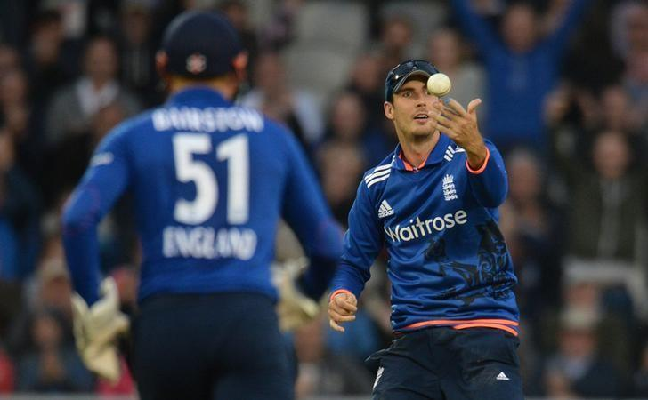 England v Australia - Third Royal London One Day International - Emirates Old Trafford - 8/9/15. England's Steven Finn celebrates after catching Australia's Steve SmithAction Images via Reuters / Philip Brown Livepic
