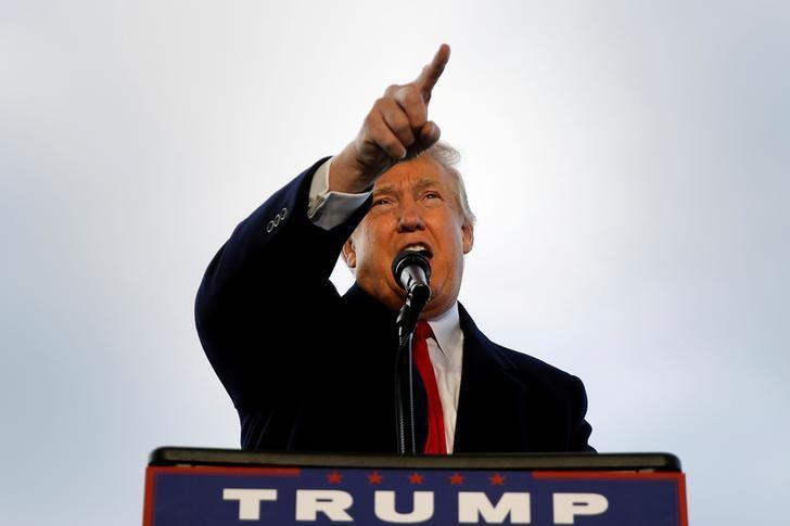 Donald Trump attends a campaign event in Wilmington, Ohio, U.S. November 4, 2016. REUTERS/Carlo Allegri/Files