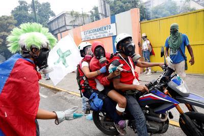Venezuela's protest medics