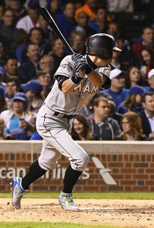 6月5日、MLBマーリンズのイチロー外野手は、敵地で行われたカブス戦の8回に代打で出場。1打数1安打だった(2017年 ロイター/Matt Marton-USA TODAYSports)