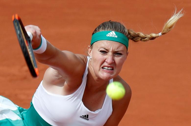 Tennis - French Open - Roland Garros, Paris, France - June 4, 2017   France's Kristina Mladenovic in action during her fourth round match against Spain's Garbine Muguruza    Reuters / Christian Hartmann