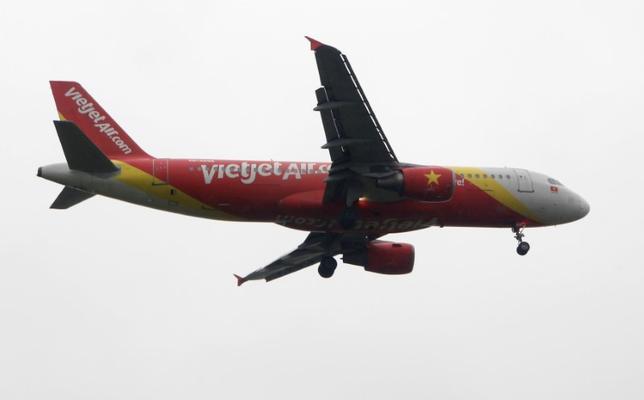 6月5日、ベトナム民間航空最大手のベトジェットエア・アビエーションは三菱UFJリースと3億4800万ドル相当の融資契約を締結したと発表した。3月撮影(2017年 ロイター/Kham)