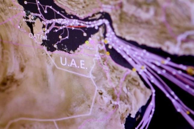 6月7日、アラブ首長国連邦(UAE)は、カタールに同情的な意見を表明することを禁止した。違反した場合は最長15年の禁錮刑を科す。現地紙ガルフ・ニューズと中東の衛星テレビ、アルアラビーヤが7日に報じた。(2017年 ロイター/THOMAS WHITE)
