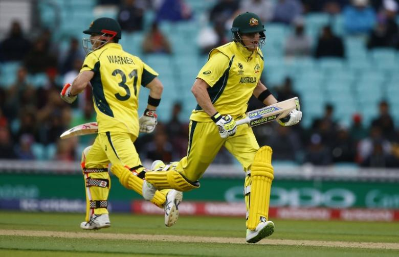 Britain Cricket - Australia v Bangladesh - 2017 ICC Champions Trophy Group A - The Oval - June 5, 2017 Australia's Steven Smith and David Warner (L) in action Action Images via Reuters / Peter Cziborra Livepic