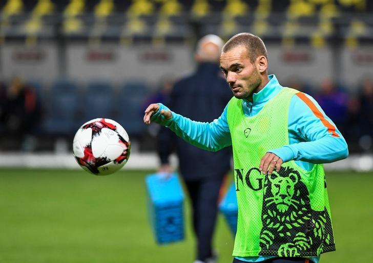 STOCKHOLM 2016-09-05 Wesley Sneijder during the training with the Netherlands national football team at the Friends Arena in Stockholm, Sweden, September 5, 2016. The Netherlands play the World Cup qualifier against Sweden on Tuesday.  Pontus Lundahl/TT News Agency/via REUTERS /files