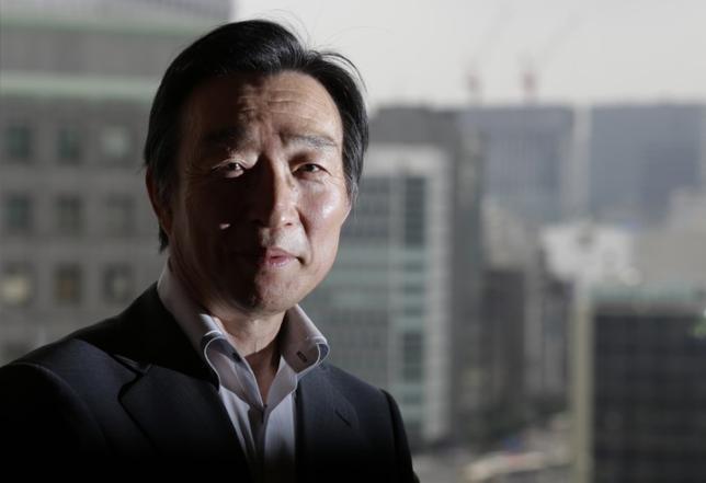 6月8日、日銀の岩田規久男副総裁は参院財政金融委員会で、金融緩和を縮小する「出口」局面での日銀財務への影響について、複数のシナリオでも具体的なシミュレーションを現時点で示すことは難しいと語った。2013年6月撮影(2017年 ロイター/Toru Hanai)