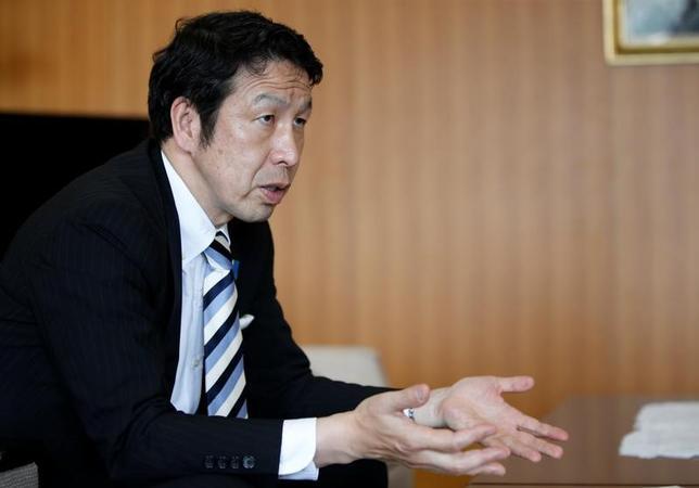 6月9日、新潟県の米山隆一知事はロイターのインタビューで、東京電力ホールディングス柏崎刈羽原発の再稼働問題について、「リスクの全体像をみる必要があるから検証を進めている。写真はロイターのインタビューに答える米山知事。都内で8日撮影(2017年 ロイター/Kim Kyung Hoon)