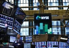 Wall Street a ouvert vendredi sans tendance marquée. L'indice Dow Jones gagne 0,52%, à 21.293,24 points vers 14h30 GMT, soit une heure après l'ouverture. /Photo d'archives/REUTERS/Brendan McDermid