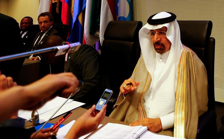 FILE PHOTO:  Saudi Arabia's Energy Minister Khalid al-Falih, talks to journalists before the beginning of a meeting of the Organization of the Petroleum Exporting Countries (OPEC) in Vienna, Austria, May 25, 2017.  REUTERS/Leonhard Foeger