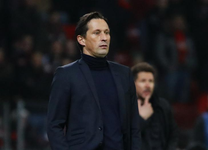 FILE PHOTO: Football Soccer - Bayer Leverkusen v Atletico Madrid - UEFA Champions League Round of 16 First Leg - BayArena, Leverkusen, Germany - 21/2/17 Bayer Leverkusen coach Roger Schmidt and Atletico Madrid coach Diego Simeone Reuters / Wolfgang Rattay Livepic/Files