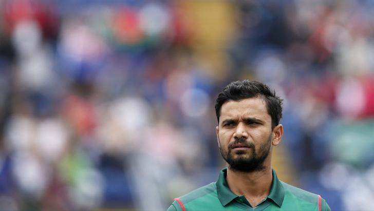 Britain Cricket - New Zealand v Bangladesh - 2017 ICC Champions Trophy Group A - Sophia Gardens - June 9, 2017 Bangladesh's Mashrafe Mortaza during the game Action Images via Reuters / Andrew Couldridge Livepic