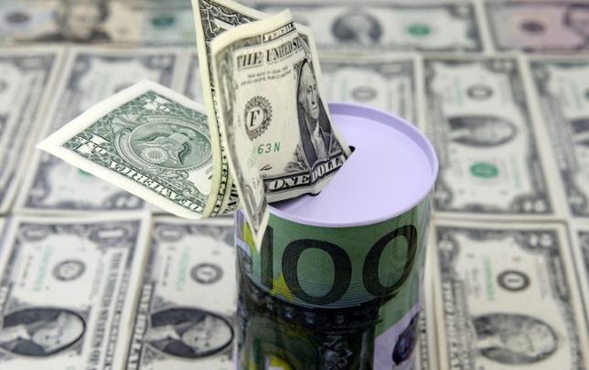 6月12日、今週の外為市場でドル/円は、米連邦公開市場委員会(FOMC)の結果が出るまでしっかり推移しそうだ。2月撮影(2017年 ロイター/Dado Ruvic)