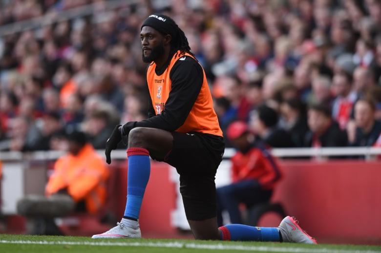 Football Soccer - Arsenal v Crystal Palace - Barclays Premier League - Emirates Stadium - 17/4/16 Crystal Palace's Emmanuel Adebayor warms up Action Images via Reuters / Tony O'Brien Livepic