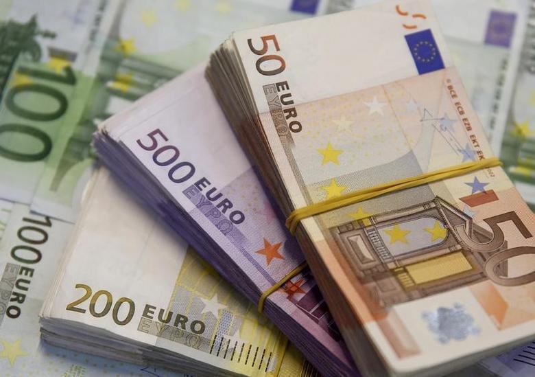 2015年1月,不同面值的欧元纸币。REUTERS/Dado Ruvic