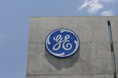 Logo da General Electric Co. em San Pedro Garza García, no México. 12/05/2017 REUTERS/Daniel Becerril