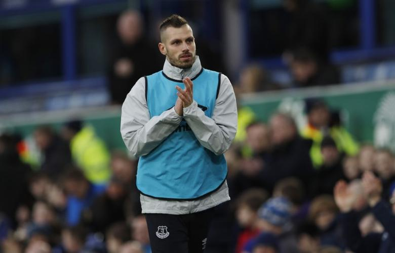 Britain Soccer Football - Everton v Manchester City - Premier League - Goodison Park - 15/1/17 Everton's Morgan Schneiderlin warms up Action Images via Reuters / Lee Smith Livepic
