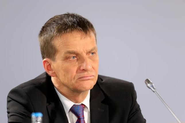6月14日、欧州中央銀行(ECB)理事会メンバーのハンソン・エストニア中銀総裁(写真)はECBの金融緩和の効果が実体経済に波及するには時間がかかるが、必ずしも追加緩和は必要ないとの認識を示した。8日撮影(2017年 ロイター/Ints Kalnins)