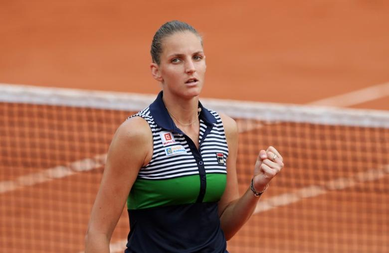 Tennis - French Open - Roland Garros, Paris, France - June 8, 2017   Czech Republic's Karolina Pliskova reacts during her semi final match against Romania's Simona Halep   Reuters / Pascal Rossignol