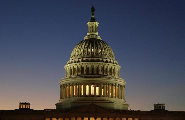 6月15日、米議会上院は、ロシアに対する新たな制裁を導入し、現存の対ロシア制裁の緩和もしくは解除には議会の承認が必要になる法案をほぼ全会一致で可決した。2016年12月撮影(2017年 ロイター/Joshua Roberts)