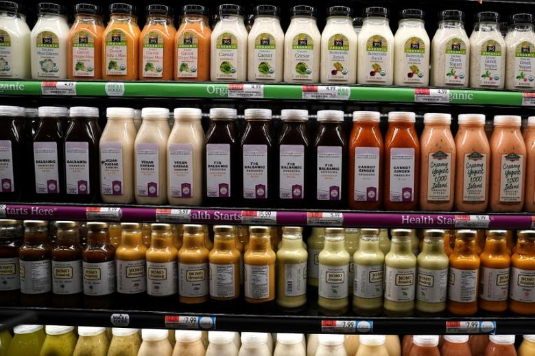 Juice drinks for sale are pictured inside a Whole Foods Market in the Manhattan borough of New York City, New York, U.S. June 16, 2017.   REUTERS/Carlo Allegri