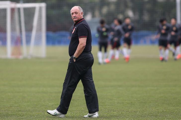 Guangzhou Evergrande's head coach Luiz Felipe Scolari attends a training session before their AFC Champions League 2016 Group H match against South Korea's Pohang Steelers, in Guangzhou, Guangdong Province, China, February 23, 2016. REUTERS/Stringer/Files