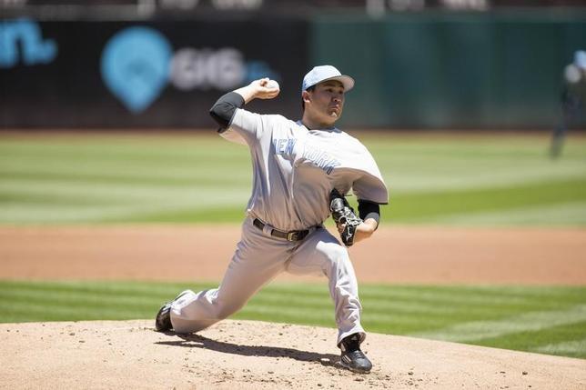 6月17日、MLBヤンキースの田中将大投手は、敵地でのアスレチックス戦に先発登板。4回5失点で今季7敗目を喫した(2017年 ロイター/Neville E.Guard-USA TODAY Sports)